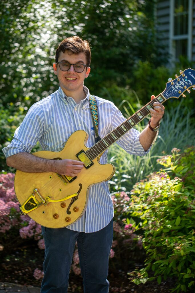 Jeffrey Howard 2020 Guitar teacher at Paul Howards valley music school
